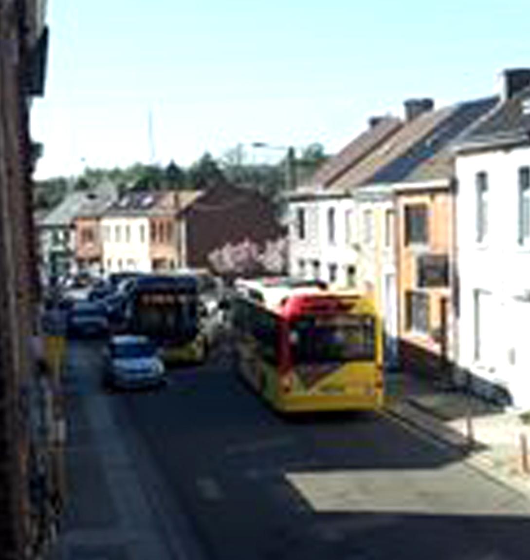 Problème pour les bus qui doivent manœuvrer à la rue des haies